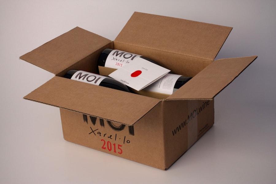 caja-abierta-vino-blanco-min