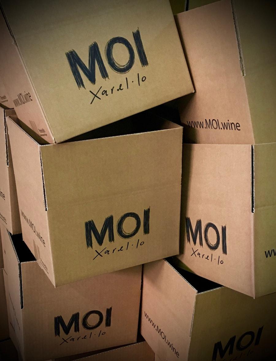 montaje-cajas-vino-blanco-min